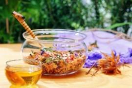 金银花加蜂蜜有种特殊功效