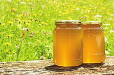 巧喝蜂蜜缓解便秘